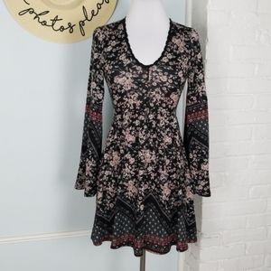 Xhilaration bell sleeve dress